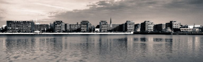 Jeans Brown Photography - hood chiller berlin